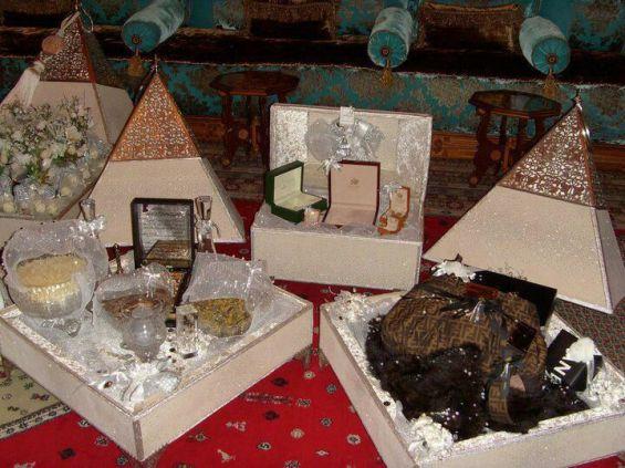 tyafer rempli de cadeau pour marie - Coffret Henn Mariage