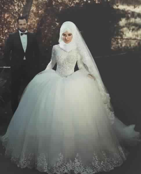 130b0c3e770 Robe de mariée hijab ...
