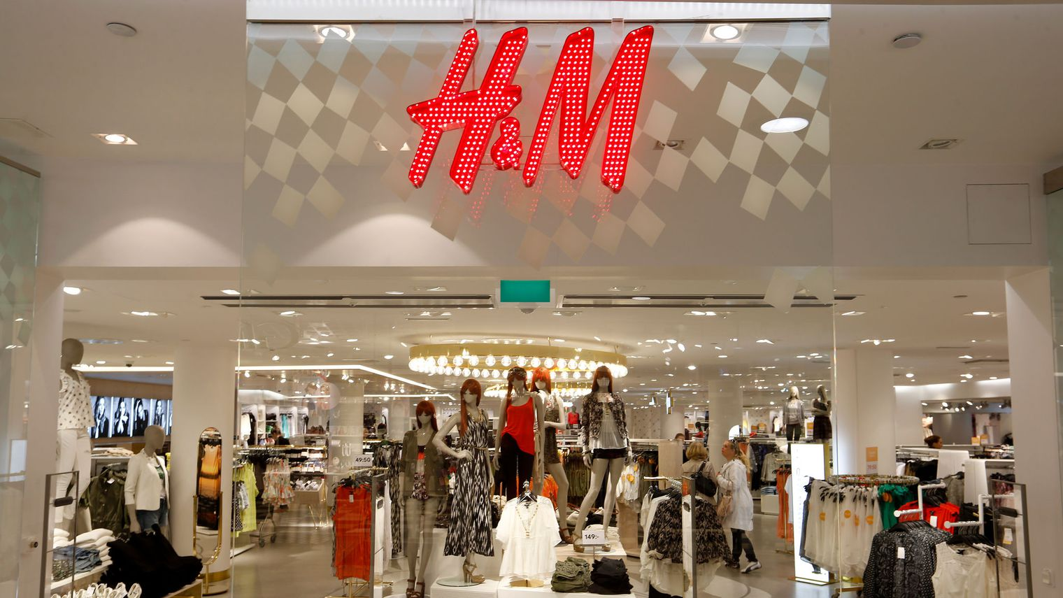 "H&M is a retailer that is looking to provide consumers with fashionable, high-quality clothing at the best price possible. They offer ""fast-fashion"" clothing, in other words from runway to racks in record time, and sell European influenced clothing in the American market. Additionally, H&M carries clothing in a variety of categories."