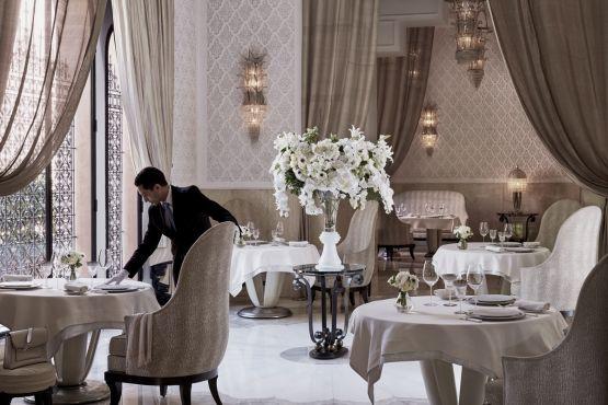 L'hôtel dispose de quatre restaurants et un chef avec trois étoiles Michelin. / Ph. Daily Mail