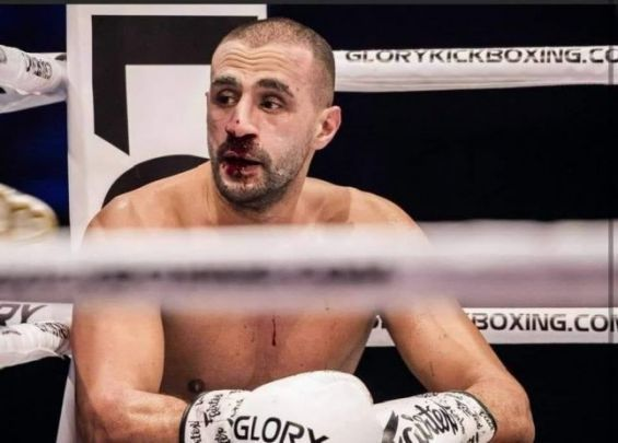 Kickboxing : Technical KO pour Badr Hari...