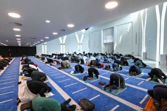 Couvre-feu : Une tolérance accordée aux musulmans de France pendant Ramadan
