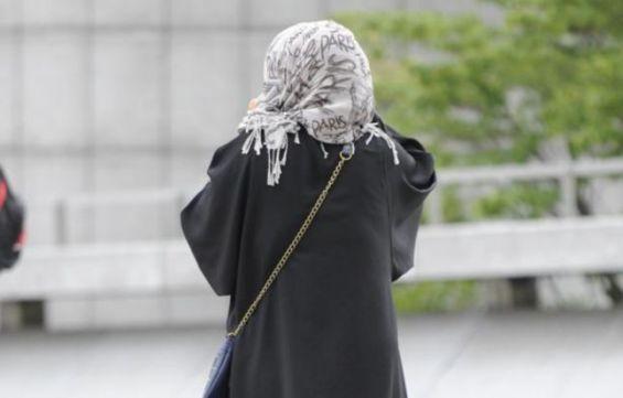 Les lycéennes voilées fouillées ont fait appel au Défenseur des droits — Paris