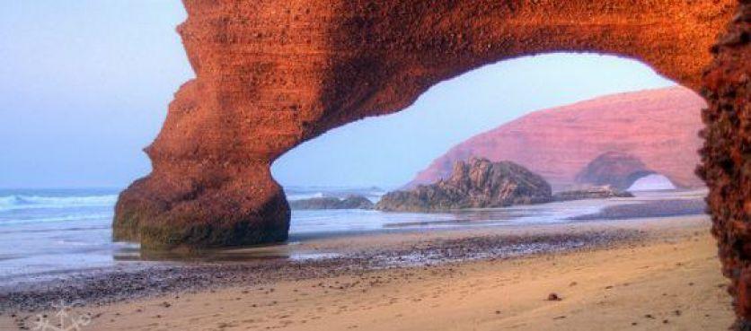 La principale arche de la plage de Legzira. / DR