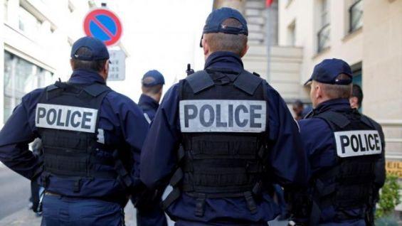 Un homme blessé au couteau suite à une agression raciste — France