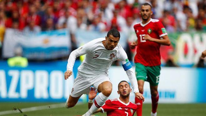 Ziyech et Boutaïb face à Cristiano Ronaldo lors du match Maroc-Portugal. / Ph. Reuters
