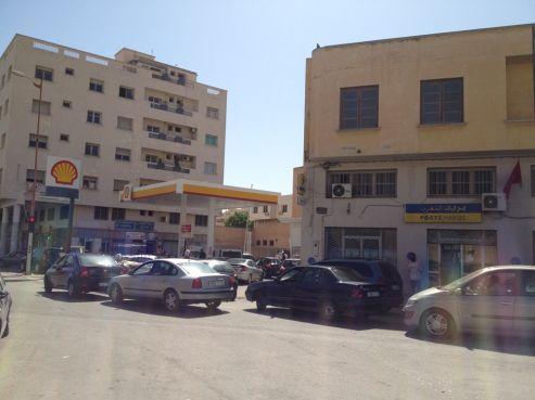 Pénurie de carburant de contrebande : Ça bouchonne devant les stations essence à Oujda