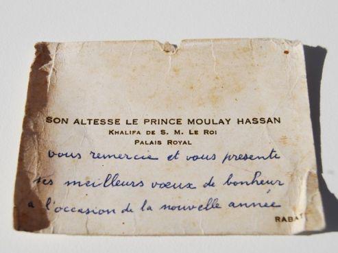 « Dans les affaires de mon oncle, j'ai retrouvé cette carte de visite de Hassan II lorsqu'il était encore prince », explique fièrement Gérard Bénitah.