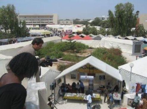 Le campus de L'Université Cheikh Anta Diop, aux allures d'un camp de réfugiés...