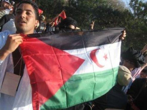 D'autres par contre, plus conscients de l'enjeu, en ont profité pour brandir un drapeau qui n'était pas le bienvenu...