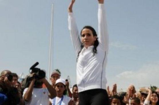 Sara El Bekri, reine chez les dames. Agée de 23 ans, elle a offert au Maroc 6 médailles aux derniers championnats d'Afrique tenus à Casablanca. Sara El Bekri, une nageuse qui ne cesse par ailleurs de pulvériser les records nationaux.