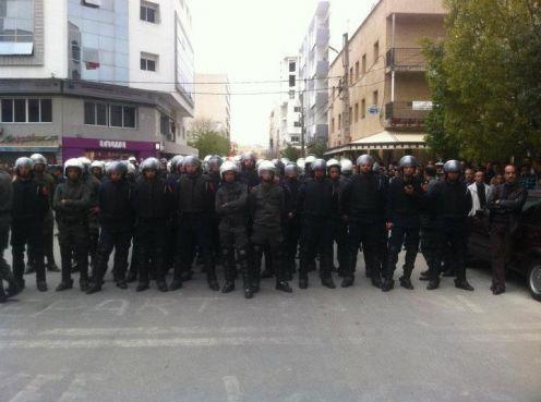 تازة: مطالب برفع العسكرة و كشف حقيقة مقتل الزوهري و تحقيق مطالب المحتجين