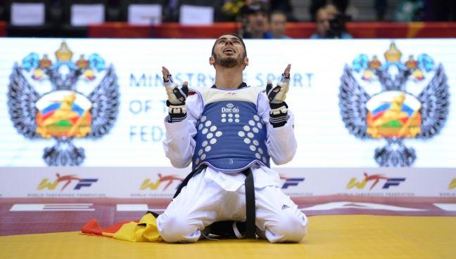 Jaouad Achab après son titre de Champion du Monde à Tcheliabinsk(Russie)