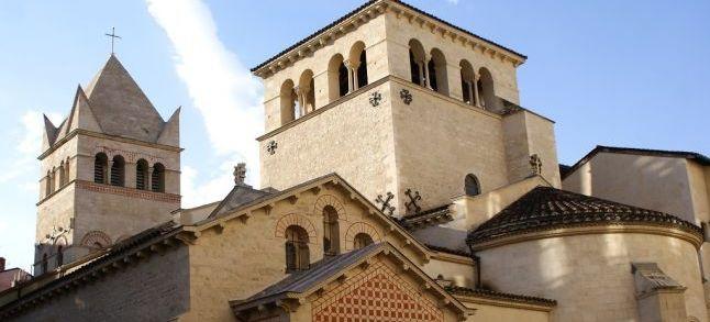 France : Panique dans une basilique de Lyon après la prière d'un musulman pendant la messe
