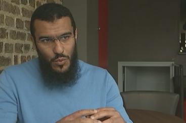 Femmes «habillées par le démon» : L'imam dénonce un abus d'autorité et porte plainte
