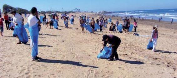 Maroc : En cette saison estivale, les détritus jonchent les plages