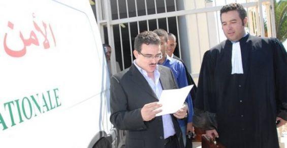 La police interpelle Taoufik Bouachrine, directeur du journal Akhbar Al Yaoum