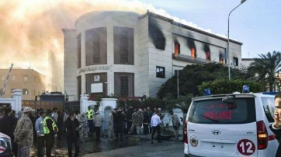 Gunmen storm foreign ministry in Tripoli
