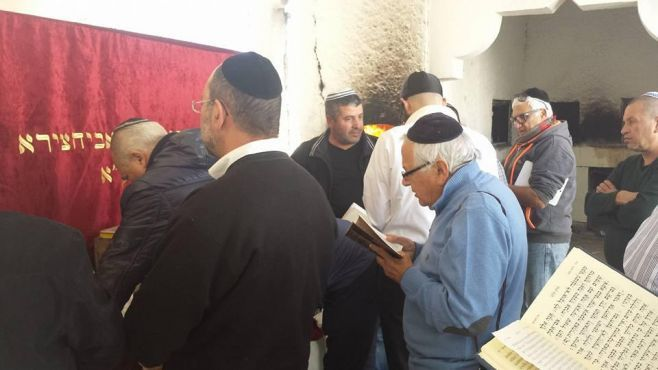 Jewish pilgrimage in Morocco #11 : Its'Hak Abe'hssira, the Jewish saint of Toulal