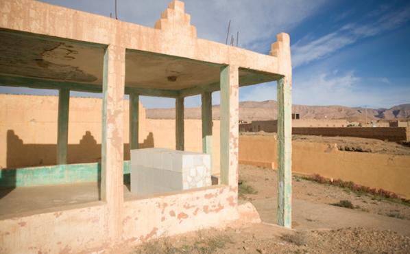 La tombe de Rabbi Yahia Lahlou, dans le cimetière juif situé au nord d'Errachidia. / Ph. Diarna