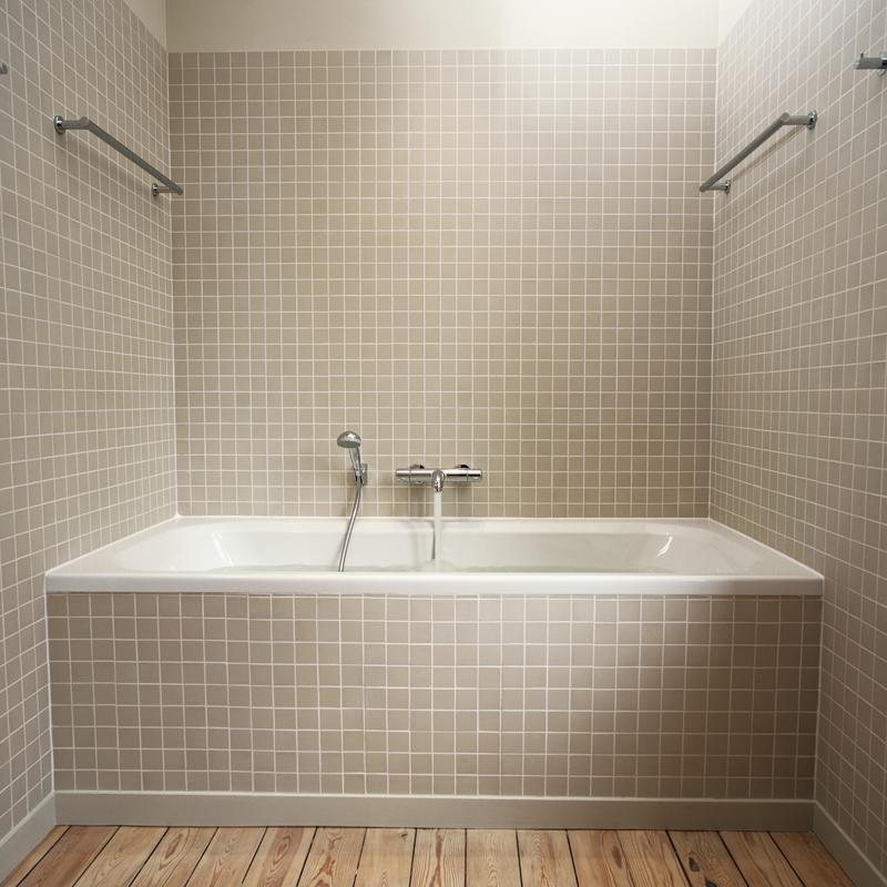Trucs et astuces nettoyer les carreaux de salle de bains - Chambre syndicale nationale de l eau de javel ...