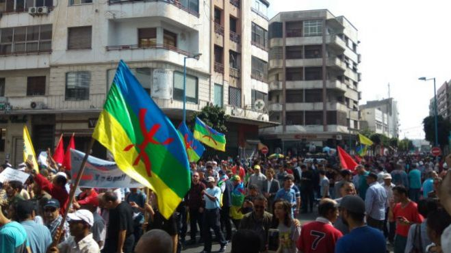 Hundreds marched on Sunday in Casablanca to demand the release of the Hirak detainees./Ph. Youssef Dahmani- Yabiladi