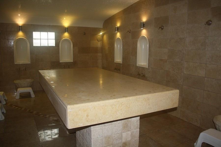 arabie saoudite les autorit s sanitaires ordonnent la fermeture de 9 hammams marocains. Black Bedroom Furniture Sets. Home Design Ideas