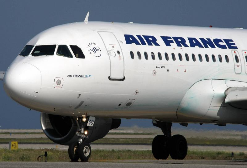 Blague du pilote d air france sur le roi un passager for Interieur d un avion air france