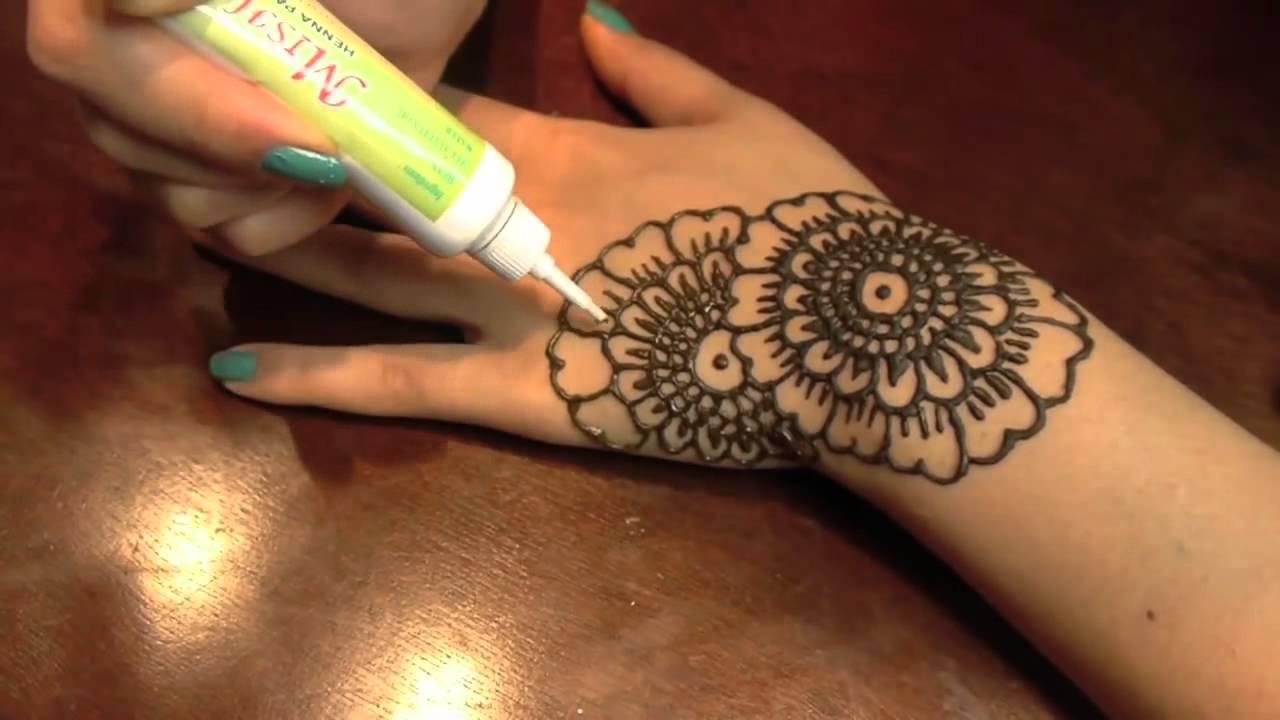 vid u00e9o de la semaine   comment faire un beau tattoo de henna soit m u00eame