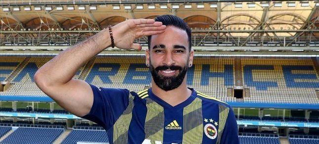 هل أدى اللاعب المغربي الأصل عادل رامي التحية العسكرية تضامنا مع الجيش التركي؟