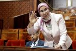 La situation des MRE du Golfe embarrasse Nezha El Ouafi au Parlement
