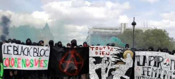 Radicalisations : Des apprentis djihadistes aux Black Blocs, un phénomène universel