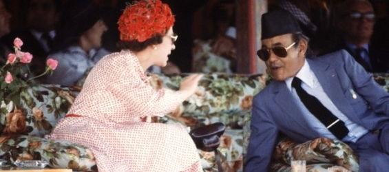 تاريخ: عندما ترك الملك الحسن الثاني الملكة إليزابيث تنتظره لساعات تحت أشعة الشمس