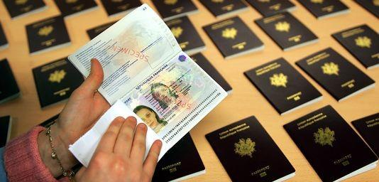 Passeport Marocain 2 5 Fois Plus Cher En France Qu Au Maroc