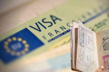 Réduction des visas accordés par la France: «Les surenchères sur le dos des Maghrébins»