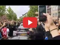 Pays-Bas : La famille Nouri accueillie par des centaines de fans du footballeur