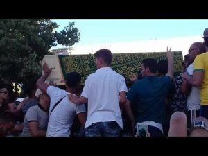 Hirak: Larmes, grogne et slogans politiques lors des funérailles d'Imad El Attabi