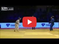 Abu Dhabi : A Moroccan Joduka refuses to shak hands with her Israeli opponent
