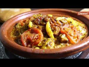 من المطبخ المغربي التقليدي..كيفية إعداد طاجين بالحوت