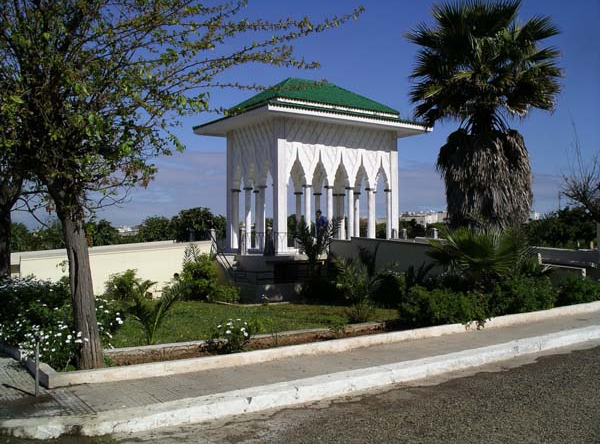 Mausolée construit sur la tombe de Rabbi Eliyahu HaCohen au cimetière de Ben M'sik à Casablanca. / Ph. Forum Dafina