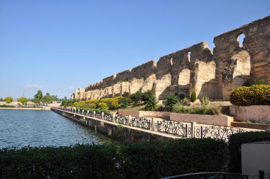 Sahrij Souani ou bassin de l'Agdal à Meknes. / Ph.DR